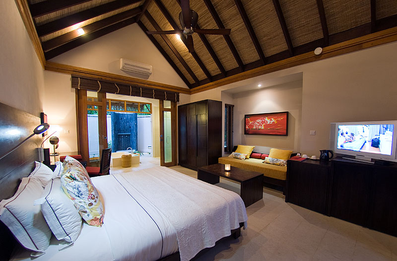 LUX Maldives Junior Suite Beach Pictures